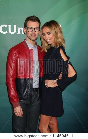 LOS ANGELES - JAN 14:  Brad Goreski, Giuliana Rancic at the NBCUniversal Cable TCA Press Day Winter 2016 at the Langham Huntington Hotel on January 14, 2016 in Pasadena, CA