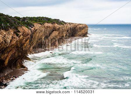 Wave Splashing Against Eroding Diagonal Cliffs