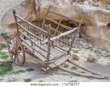 Old-World Wagon
