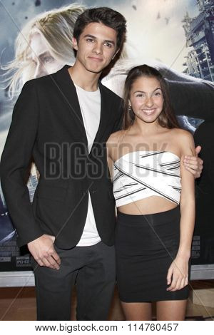 vLOS ANGELES - JAN 14:  Brent Rivera, Lexi Rivera at the The 5th Wave Los Angeles Premiere at the Pacific Theatres At The Grove on January 14, 2016 in Los Angeles, CA