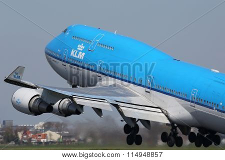 Klm Royal Dutch Airlines Boeing 747-400 Airplane Amsterdam Schiphol Airport