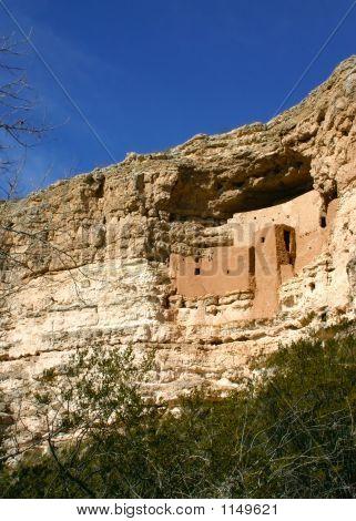 Montezuma'S Castle Vertical