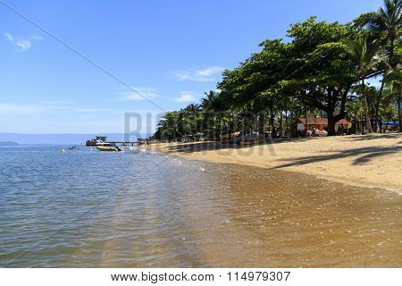 Praia do Pereque (Pereque's beach) - Ilhabela - Brazil