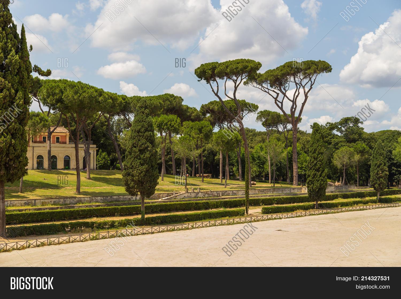 Siena Square Inside Image & Photo (Free Trial) | Bigstock