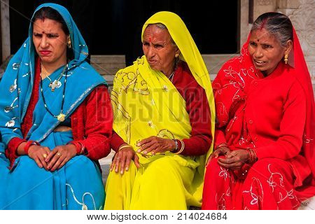 Fatehpur Sikri, India-january 30: Unidentified Women Sit In The Courtyard Of Jama Masjid On January