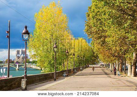 Promenade On The Ile Saint Louis In Paris, France