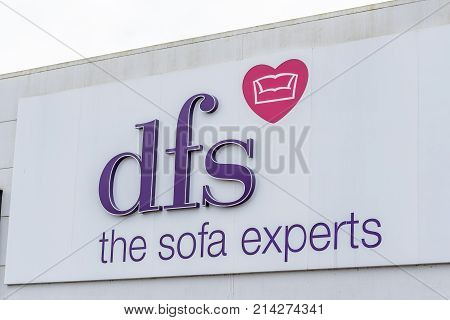 Northampton, Uk - Oct 26, 2017: View Of Dfs Sofa Experts Logo In Nene Valley Retail Park