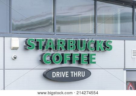 Northampton, Uk - Oct 26, 2017: View Of A Starbucks Drive Thru Logo In Nene Valley Retail Park