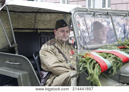 Belarus Gomel May 9 2017 Day of Podeba Soldier of the Second World War in a retro car. Soldier of the Second World War