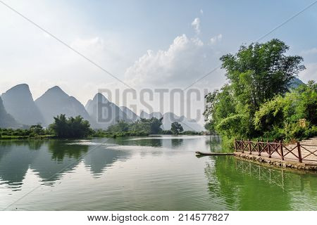 Amazing View Of The Yulong River And Karst Mountains, Yangshuo