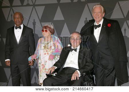 LOS ANGELES - NOV 11:  Charles Burnett, Agnes Varda, Owen Roizman, Donald Sutherland at the AMPAS 9th Annual Governors Awards at Dolby Ballroom on November 11, 2017 in Los Angeles, CA