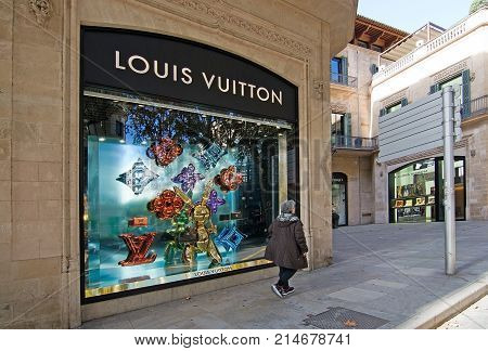 Louis Vuitton Store