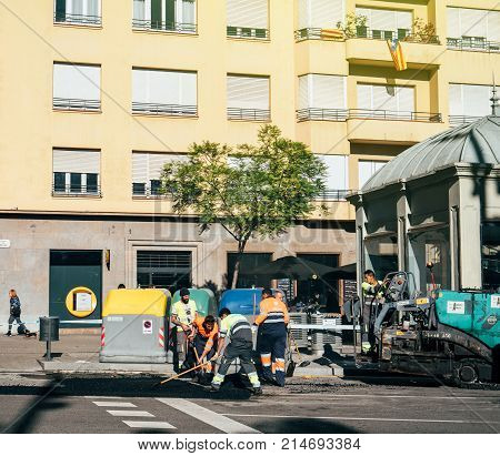 Asphalt Workers Team Posing Fresh Roadworks Barcelona