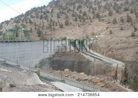 Pelton Dam, showing spillway, on the Deschutes River in Central Oregon usa