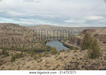 Deschutes River above re-regulating dam near Warm Springs Reservation