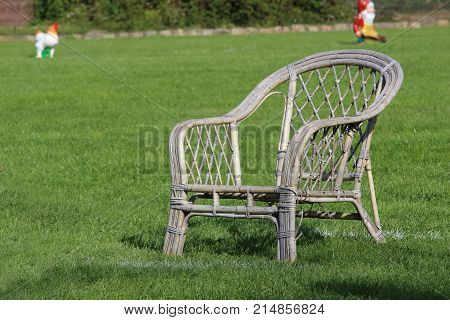 the garden chair for the attack man of the dog sport contest