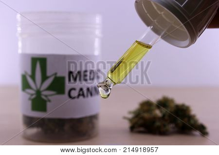 Golden cannabis oil to soothe muscle aches