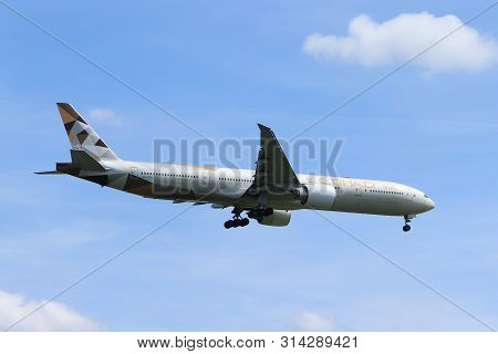 Amsterdam, The Netherlands - July 21st 2019: A6-etd Etihad Airways Boeing 777-300 On Final Approach