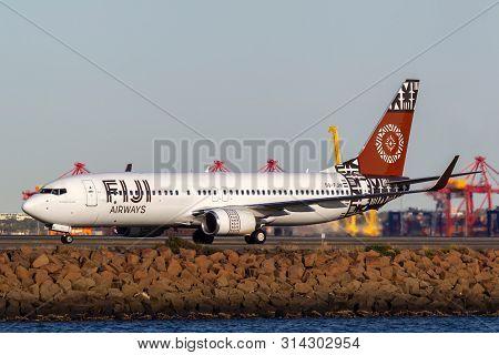 Sydney, Australia - October 10, 2013: Fiji Airways Boeing 737 Airliner Dq-fjm On The Runway At Sydne