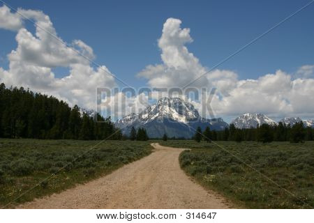 Road To The Peaks