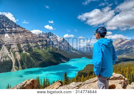 Peyto Lake In Banff National Park On Icefields Parkway
