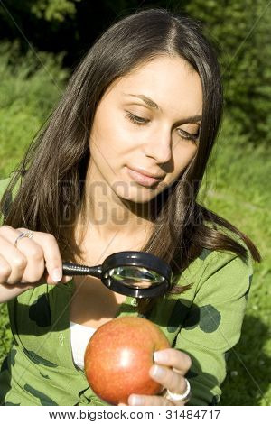 Checking the apple on the natural