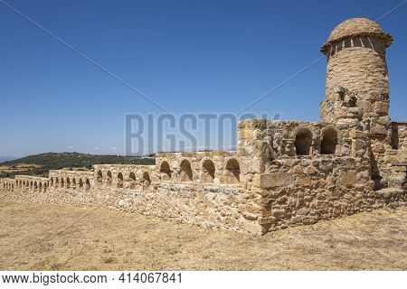 Battlement And Detail Of The Interior Wall Of The Of The Castle Of Benabarre, Counts Of Ribagorza Ca