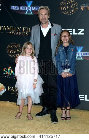 LOS ANGELES - MAR 24:  Ocean White, David A R White, Emerson White at the 14th Family Film Awards at the Universal Hilton Hotel on March 24, 2021 in Universal City, CA