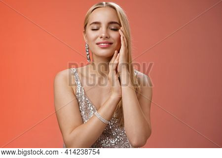 Charming Tender Lovely Coquettish Blond Woman Close Eyes Smiling Relaxed Flirty Touch Face Dreaming