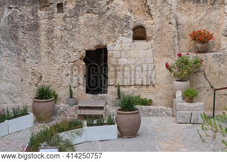 The Jesus Christ Tomb In The Tomb Garden. Entrance To The Garden Tomb In Jerusalem, Israel. High Qua