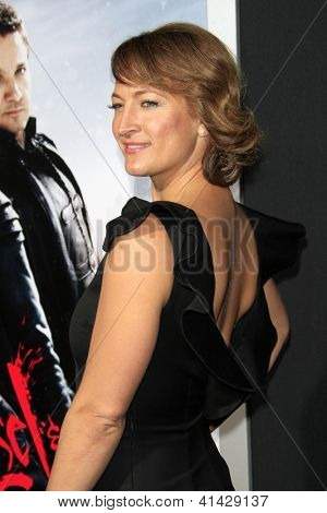LOS ANGELES - JAN 24:  Zoe Bell arrives at the the 'Hansel And Gretel: Witch Hunters' premiere at the Chinese Theat theer on January 24, 2013 in Los Angeles, CA