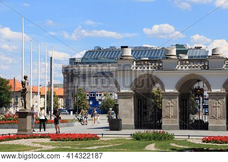 Warsaw, Poland - June 19, 2016: People Visit The Tomb Of The Unknown Soldier (grob Nieznanego Zolnie