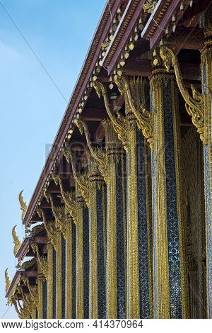 Photo Of The Wat Pho Temple In Bangkok And The Blue Sky