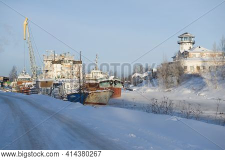 Vytegra, Russia - February 23, 2021: February Frosty Day On The River Port Of Vytegra