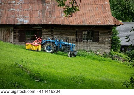 Czech Republic - July 5, 2017: Legendary Czech Zetor 25 Tractor In Great Condition In Front Of Woode