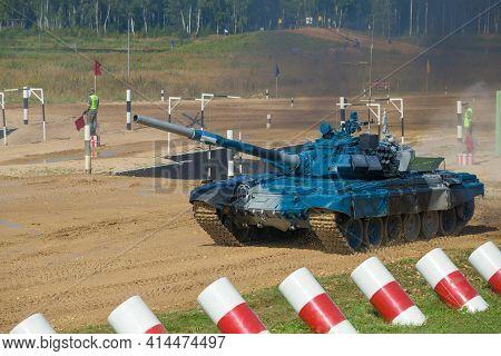 Alabino, Russia - August 25, 2020: Tank T-72b3 Of The Team Of Uzbekistan On The Alabino Tank Range.