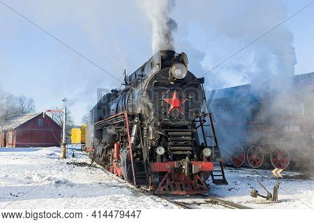 Sortavala, Russia - August 26, 2021: Soviet Mainline Steam Locomotive Lv-0522 On The Station On A Fr