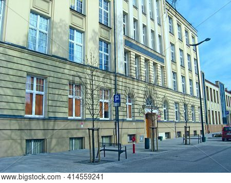 Lodz - Poland. 28 June 2019: Beautiful Architecture Of Buildings From Early 20th Century In Lodz. Ur