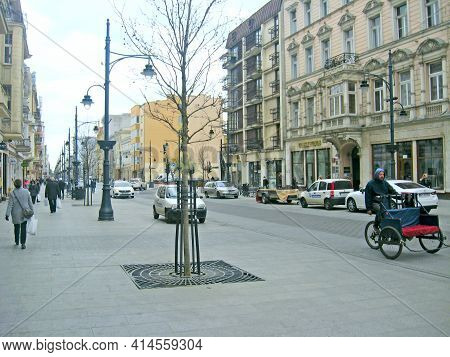 Lodz - Poland. 22 July 2019: View Of Street Pavement In Lodz. Urban Architecture. City Life In Lodz.