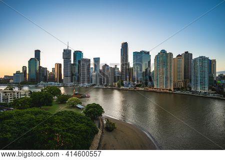 Night Scene Of Brisbane By Brisbane River, Capital Of Queensland In Australia
