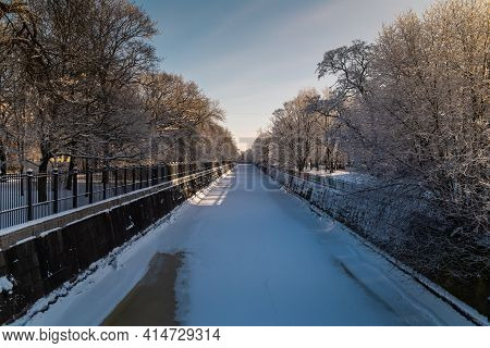 Russia. Kronstadt. February 9, 2021. Picturesque Winter View Of The Bypass Kronstadt Canal.