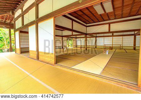 Kyoto, Japan - April 27, 2017: Tenryu-ji Temple Complex. Hall Ko-hojo Or Shoin And Veranda In Front
