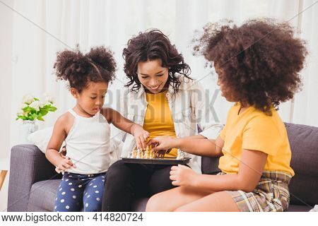 Smart Mother Good Care, Teaching Her Childs To Be Genius And Clever Little Girls Learning To Play Ch