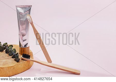 Composition With Wooden Toothbrush And Natural Toothpaste