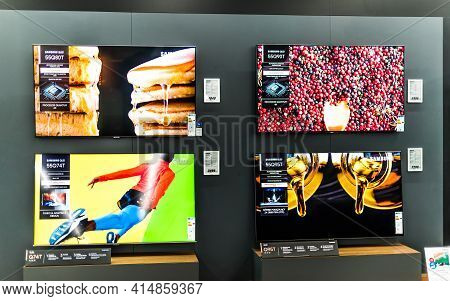Poznan, Pol - Feb 24, 2021: Modern Flat-screen Tv Sets By Samsung Put Up For Sale In An Electronics