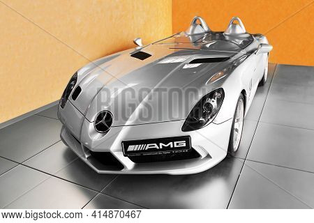 Kiev, Ukraine - August 21, 2011: Mercedes-benz Slr Mclaren Stirling Moss On The Background Of A Yell