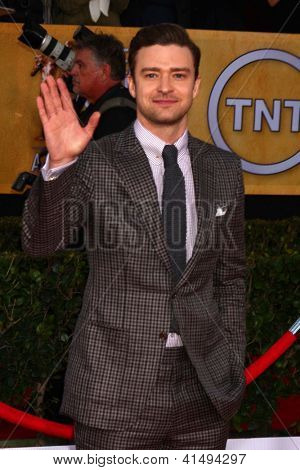 LOS ANGELES - JAN 27:  Justin Timberlake arrives at the 2013 Screen Actor's Guild Awards at the Shrine Auditorium on January 27, 2013 in Los Angeles, CA