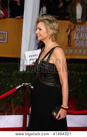 LOS ANGELES - JAN 27:  Jane Lynch arrives at the 2013 Screen Actor's Guild Awards at the Shrine Auditorium on January 27, 2013 in Los Angeles, CA