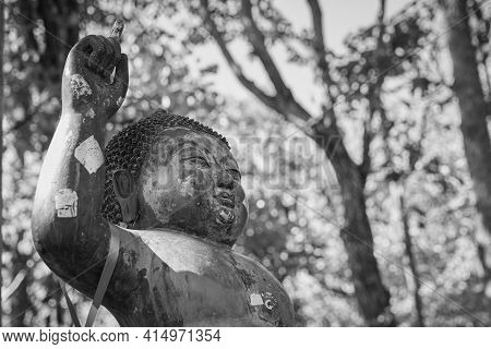 Phayao, Thailand - Dec 13, 2020: Black And White Left Frame Headshot The Birth Of Buddha Statue On F