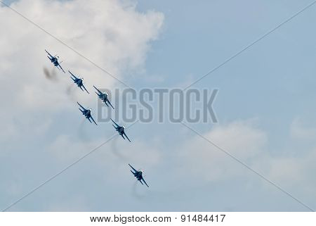 Team work of russian fighters SU-27 knights